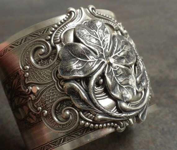 Hey, I found this really awesome Etsy listing at https://www.etsy.com/listing/229207974/irish-jewelry-silver-four-leaf-clover