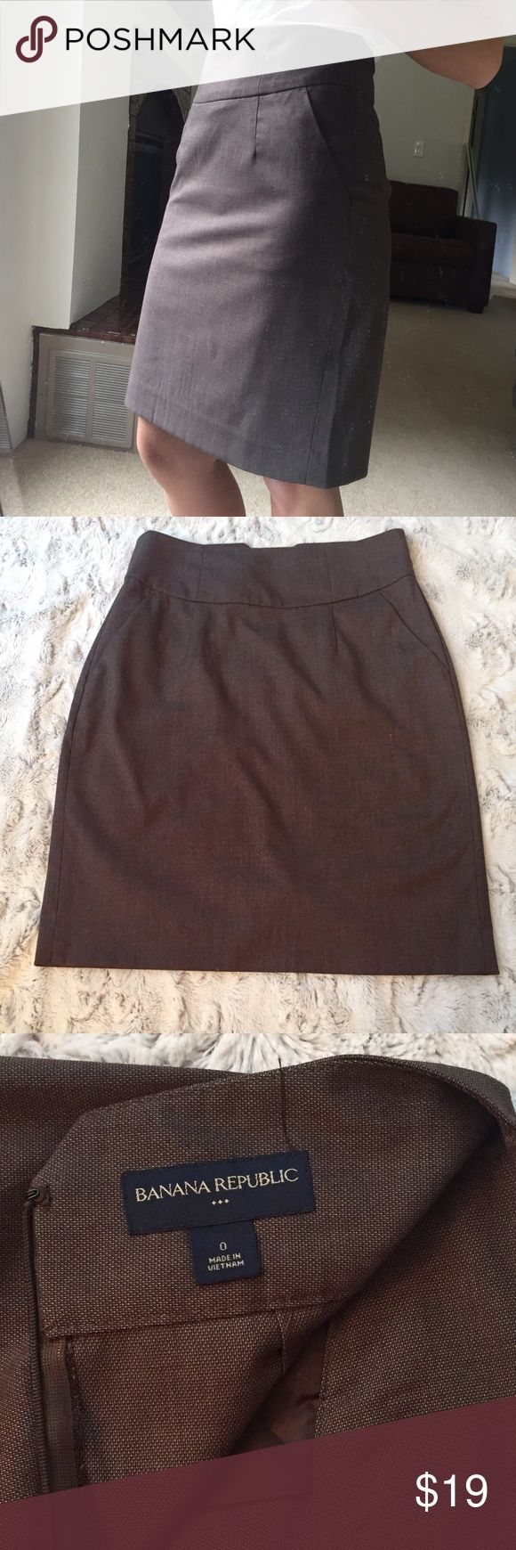 Banana republic light brown pencil skirt Light brown Banana Republic pencil skirt. Has a slit in the back. Size 0. Banana Republic Skirts Pencil