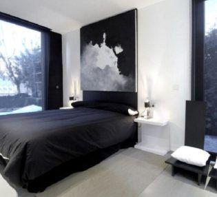 wall decor grey bedding