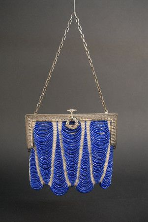 Art Deco Beaded Handbag - 1920's - (i have this exact bag in brown beads, it was my mom's :D )