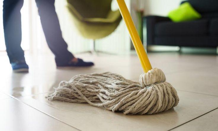 Le meilleur nettoyant pour le plancher, c'est vous qui le fabriquerez!