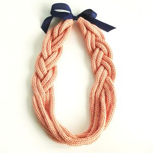 braided ribbon necklace, this would be great to make with t-shirt material.