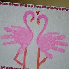 Les empreintes de main sont les projets manuels pr�f�r�s des tout-petits. Les enfants peuvent cr�er beaucoup de dessins amusants en utilisant simplement leurs mains. Ce genre d'activit� manuelle permet de graver � jamais l'empreinte de main des enfants (doux souvenir) et peut faire de tr�s beaux cadeaux pour la f�te ...
