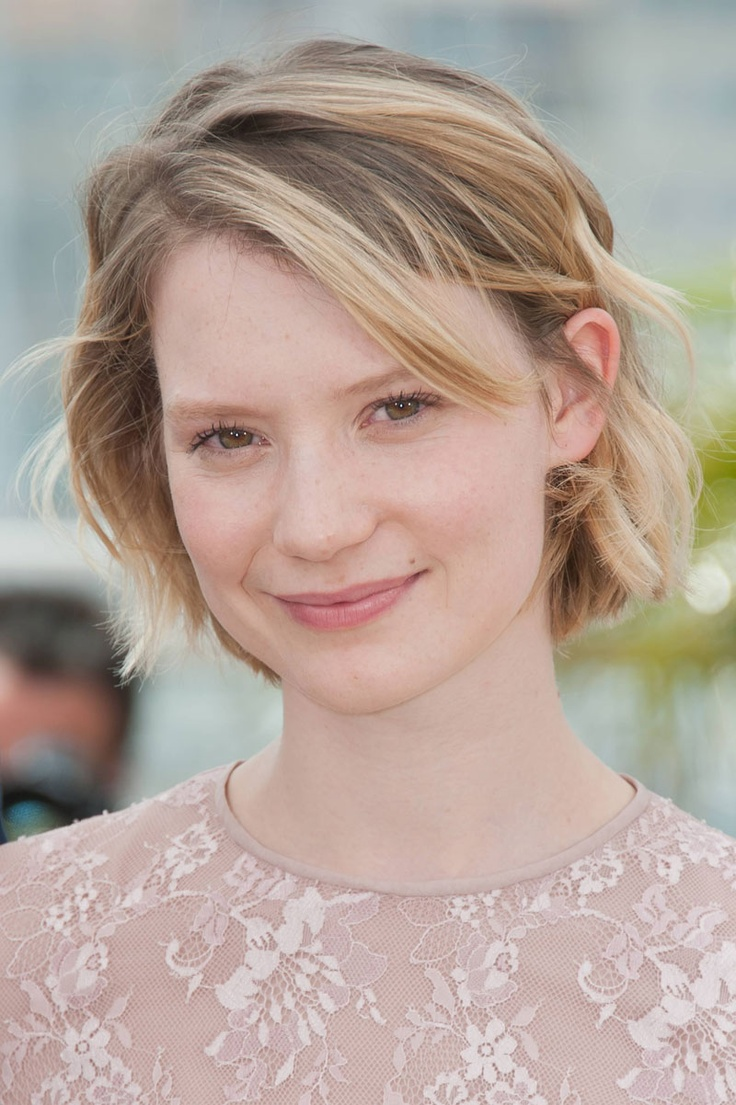 Mia Wasikowska - She is stunning in short hair.