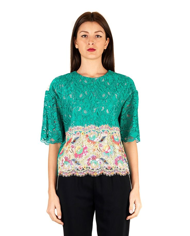 ANTONIO MARRAS Multicolor lace blouse round neckline short sleeves fringed hem rear slit closure on the back neck with hook 31% VI 25% CO 19% PA 16% 9% PL Glass Textiles 80% VI 20% PA