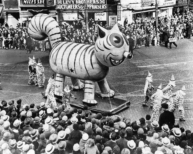 Macy's Thanksgiving Parade Balloons Used to Be Extremely Creepy