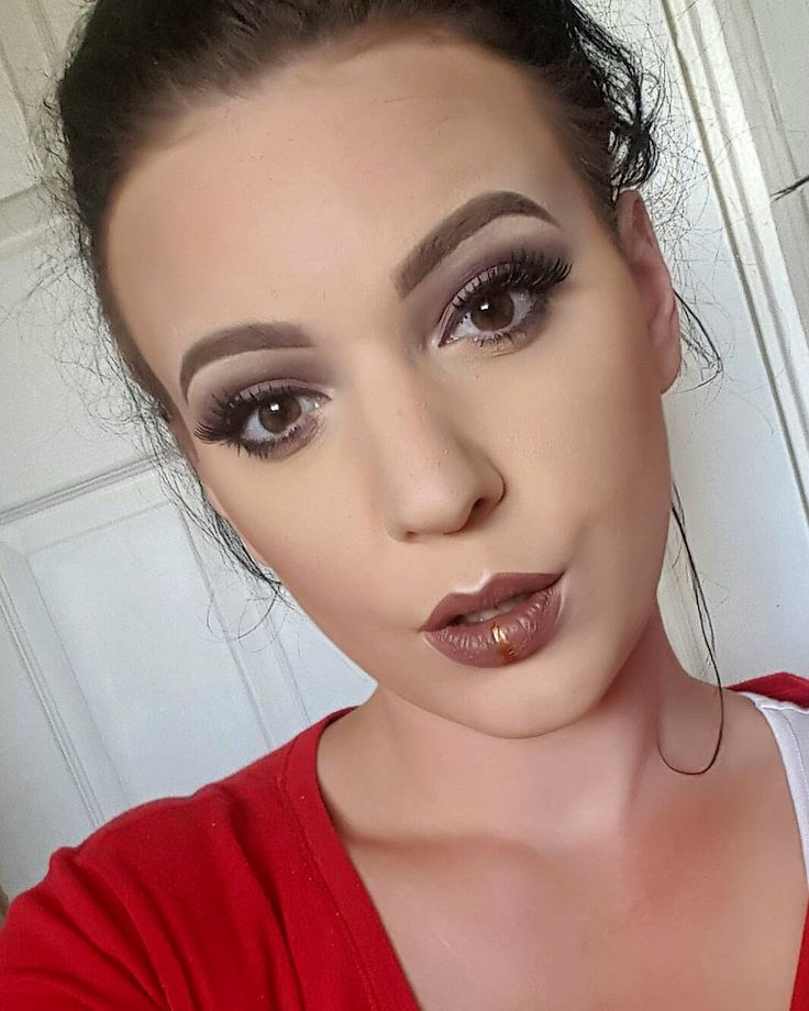2nd look today ���� Base @garnieruk #bbcream #garnier  Contour @makeupgallerycosmetics #contouring #contouringonpoint  Lips @lorealmakeup #loreal #lippy #pout  Gold liner @sammyloubeauty #avon  Eyeshadow @technic_cosmetics #megasultry #purple #smokeyeye  Eyeliner and eyelashes @makeupgallerycosmetics #eyeliner #eyelashes #fakeeyelashes  Eyebrows @muacosmetics #muacosmetics #eyebrowsonpoint #makeup #makeuplook #ilovemakeup #makeuplover #slay #slayed #mua…