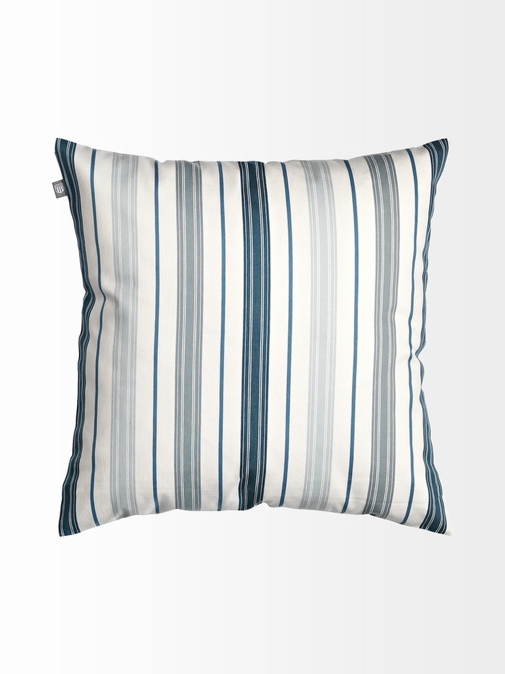 S/Y Dolphin Dance sailing blog | a Finnish Hallberg-Rassy 29 sailing in the Northern Europe: Planning new cushions and blankets