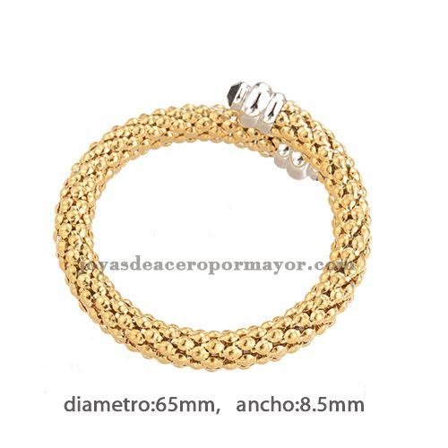 pulseras de trenzas doradas de color plata en cerrado para mujer