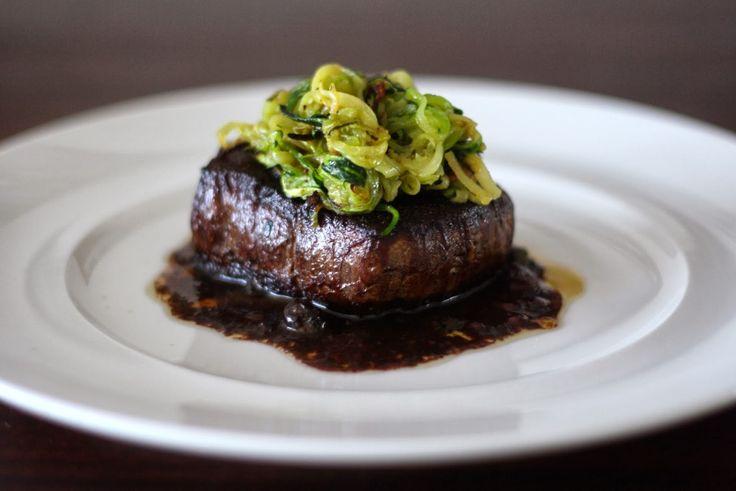 Kitchen And The City : Hovězí steak s cuketovým julienne
