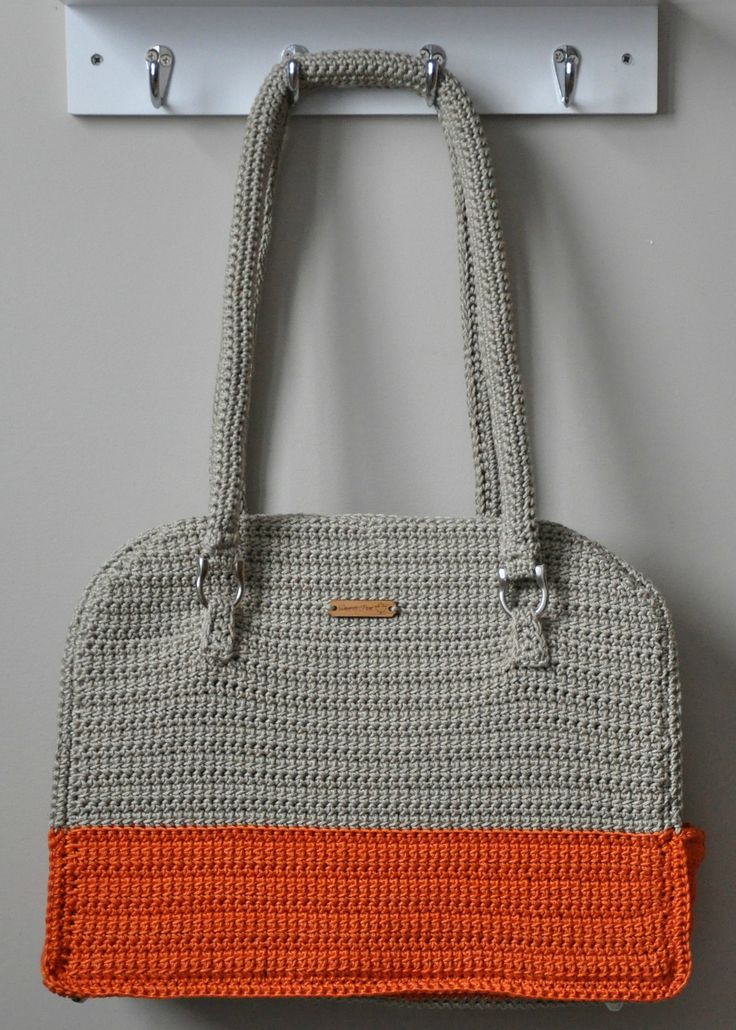 Make this cute bag with Lion Brand 24/7 Cotton! Penny Purse pattern by Sincerely Pam on Ravelry (paid).