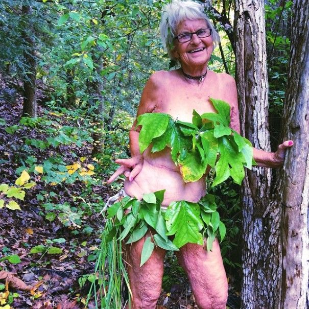 """Résultat de recherche d'images pour """"grand mère en bikini"""""""