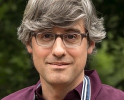 Mo Rocca, host of Food(ography) and My Grandmother's Ravioli on The Cooking Channel.