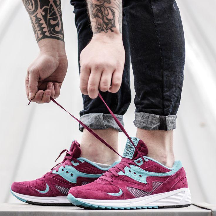 Who said that men can't wear pink? Just look.  Saucony Grid 8000 Merlot: http://www.footshop.eu/en/mens-shoes/7420-saucony-grid-8000-merlot.html  #saucony #unisex #footshop