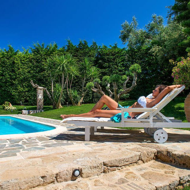 Today we are relaxing all day #bozonosvilla #enjoyed #poolday #luxuryholiday #paradise #villa #zante #island #greece