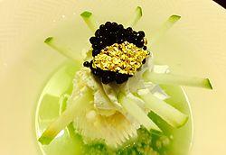 Doçuras de perdição com toque de sal. Descubra o último em sobremesas gourmet assinadas pelos grandes chefs Michelin.