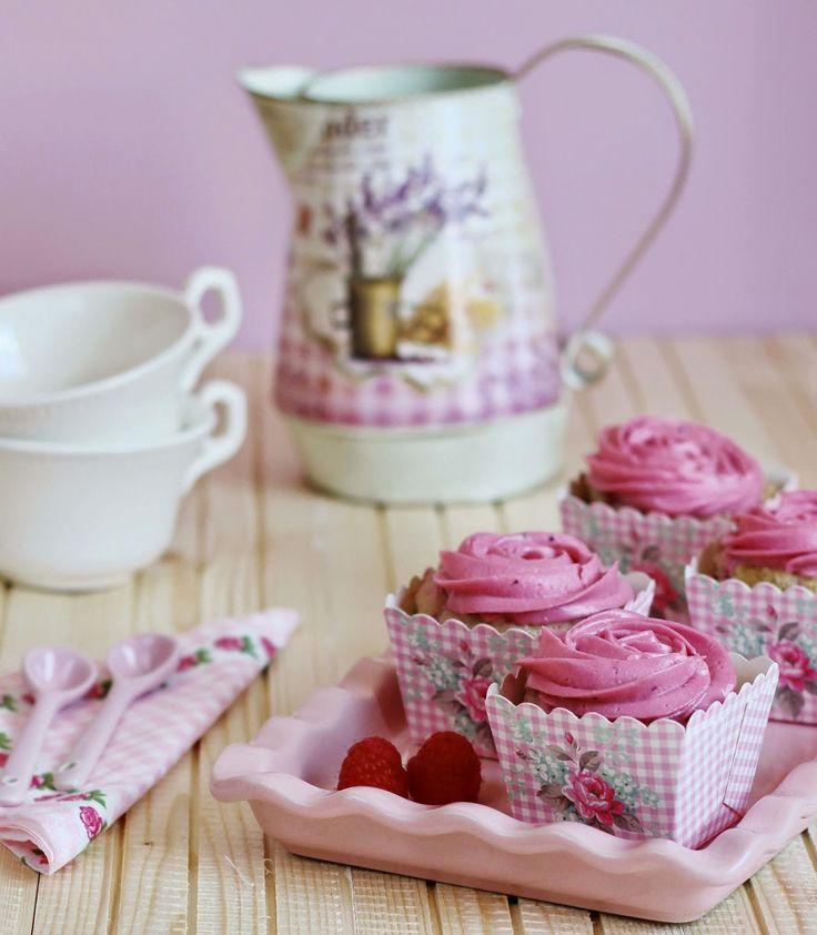 Cupcakes de frambuesa con frambuesa   Con aroma de vainilla