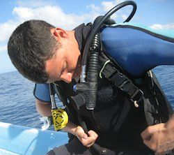 Learning how to scuba dive in Fiji