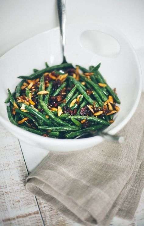 Love this healthy green bean recipe! Green Beans with Shallots, Toasted Almonds, Garlic, and Cranberries. {gluten-free, grain-free}
