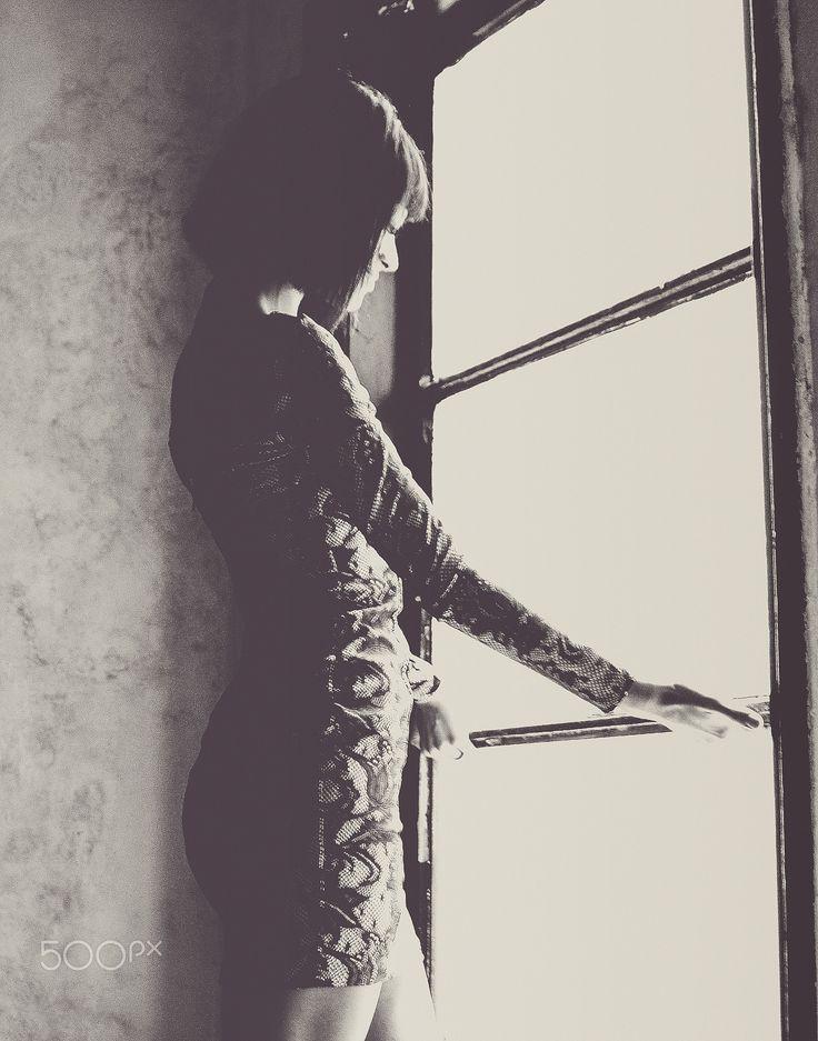 Escape. - Model : Simona. @adriansimionlephotographe