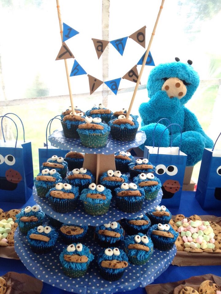 Cookie Monster cupcake/monstruo come galletas!!