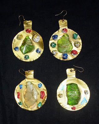 http://reciclandoenlaescuela.blogspot.com.es/2010/11/66-taller-de-joyeria-primera-parte.html