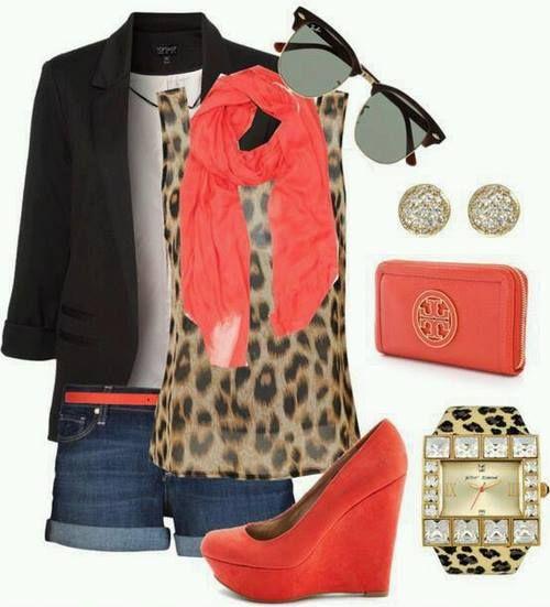 outfit, blazer negro, blusa estampado animal print, shorts de mezclilla, zapato de puente color mamey
