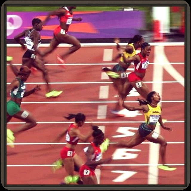 Shelly Ann Fraser Pryce wins the Olympic gold medal in the women's 100M sprint at the #London2012.