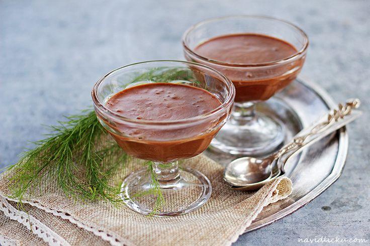 Eggless Chocolate Mousse/ Čokoládová pěna | Na vidličku food blog