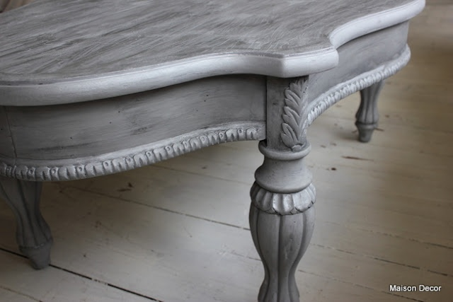 Maison Decor: French Hollywood Table~a washing technique - Paris Grey, crackle top, all washed with Graphite and glaze made from silver gilding wax.
