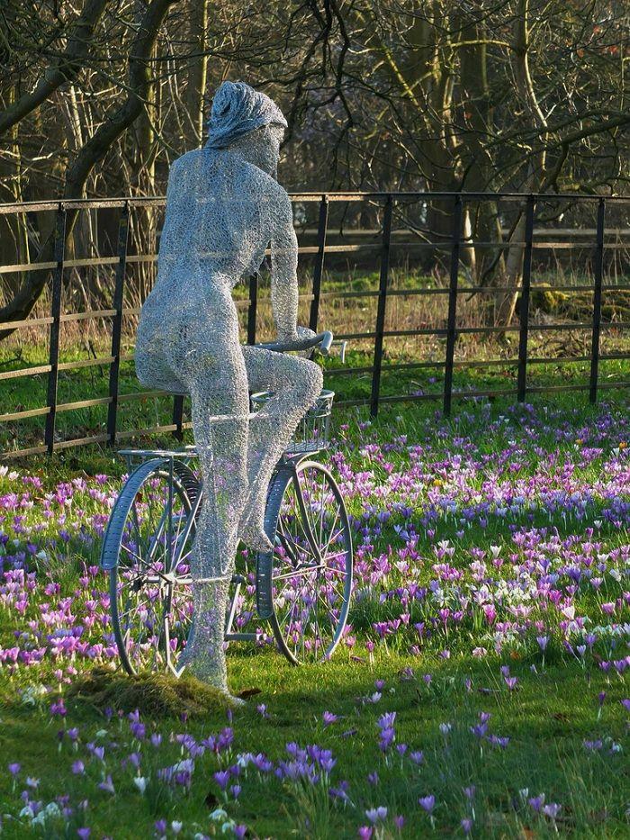 chicken wire sculpture by derek kinzett ForChicken Wire Sculptures Uk