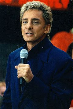 Barry Manilow - The BarryNet - The Shows - Manilow Today Frame 13