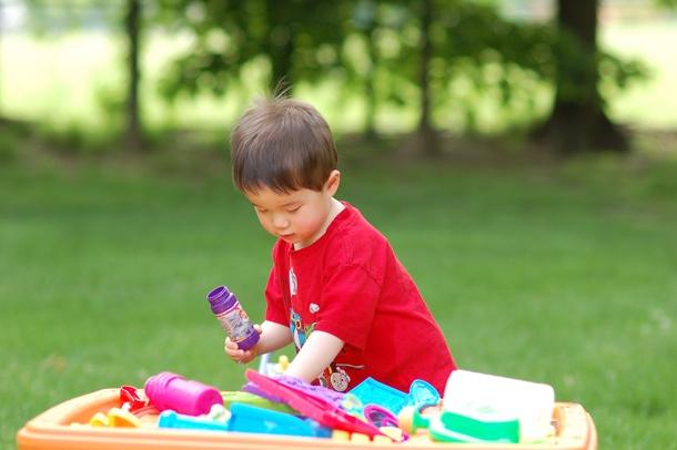 Le vasche sensoriali per bambini http://www.piccolini.it/tips/583/le-vasche-sensoriali-per-bambini/