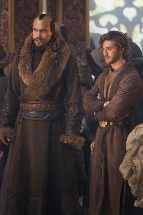 Still of Lorenzo Richelmy and Uli Latukefu in Marco Polo (2014)