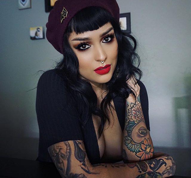 Lora Arellano Chameleon 😝 ️ MeInstagram