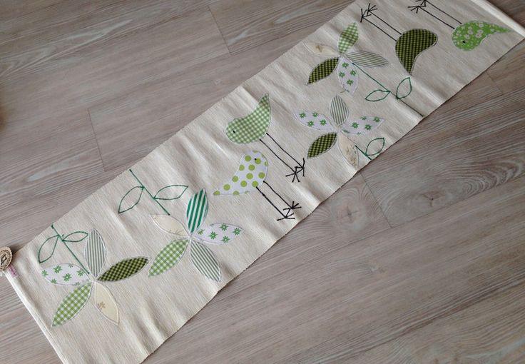 """Tischläufer - Tischläufer """"Vögel + Blumen"""" grün-weiss - ein Designerstück von gittirai bei DaWanda"""