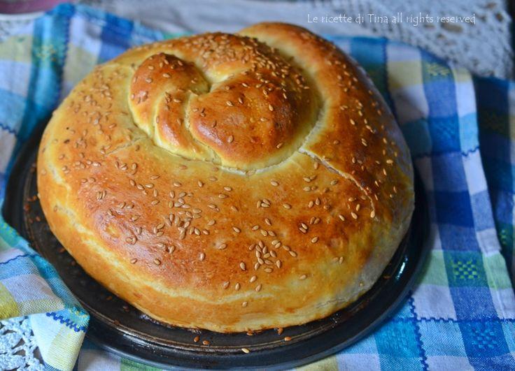 Torta girella salata con cotto e formaggio un idea da servire per secondo,magari per domani sabato.Una torta di pan brioche che piacerà a grandi e piccini.
