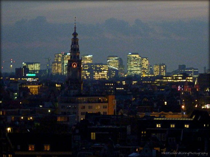 Zuiderkerktoren en Zuidas Amsterdam by night