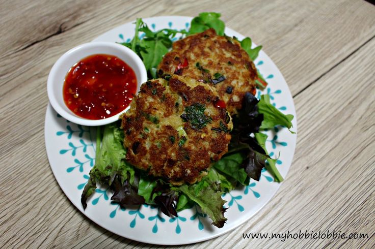 Quick and Easy Crab Cakes - great option for a quick dinner. On the plate in under 30 minutes