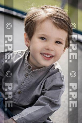 "[Deve] Dai Fanghua ""Parabéns"" Infante D. Henrique ea Princesa da Dinamarca dois segundo filho de 3 anos de idade, de pouco [a Diana]-lo _ Baidu Post Bar"