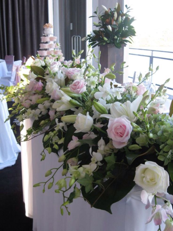 Beautiful, elegant #bridaltablearrangement by www.newminsterfunctiondesign.com