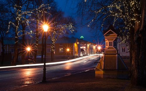 View of Kristiinankaupunki at night from the towncenter.