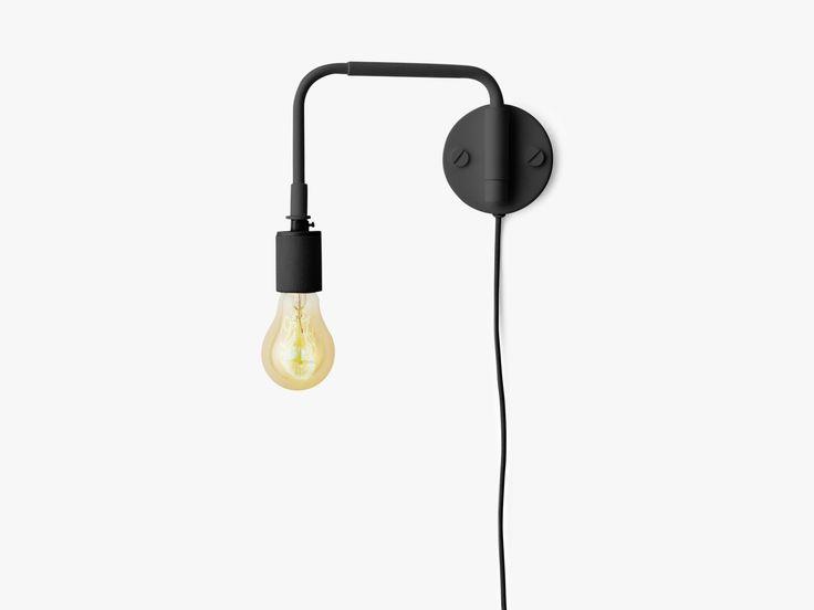 Superlækker bordlampe i industrielt look, designet af den verdensberømte danske designer. Du får FRI FRAGT og PRISGARANTI på alt fra Menu.