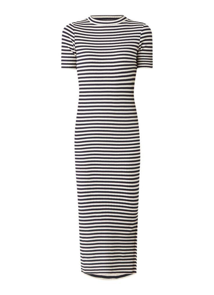 Op zoek naar Anecdote Desi ribgebreide jurk met streepdessin ? Ma t/m za voor 22.00 uur besteld, morgen in huis door PostNL.Gratis retourneren.