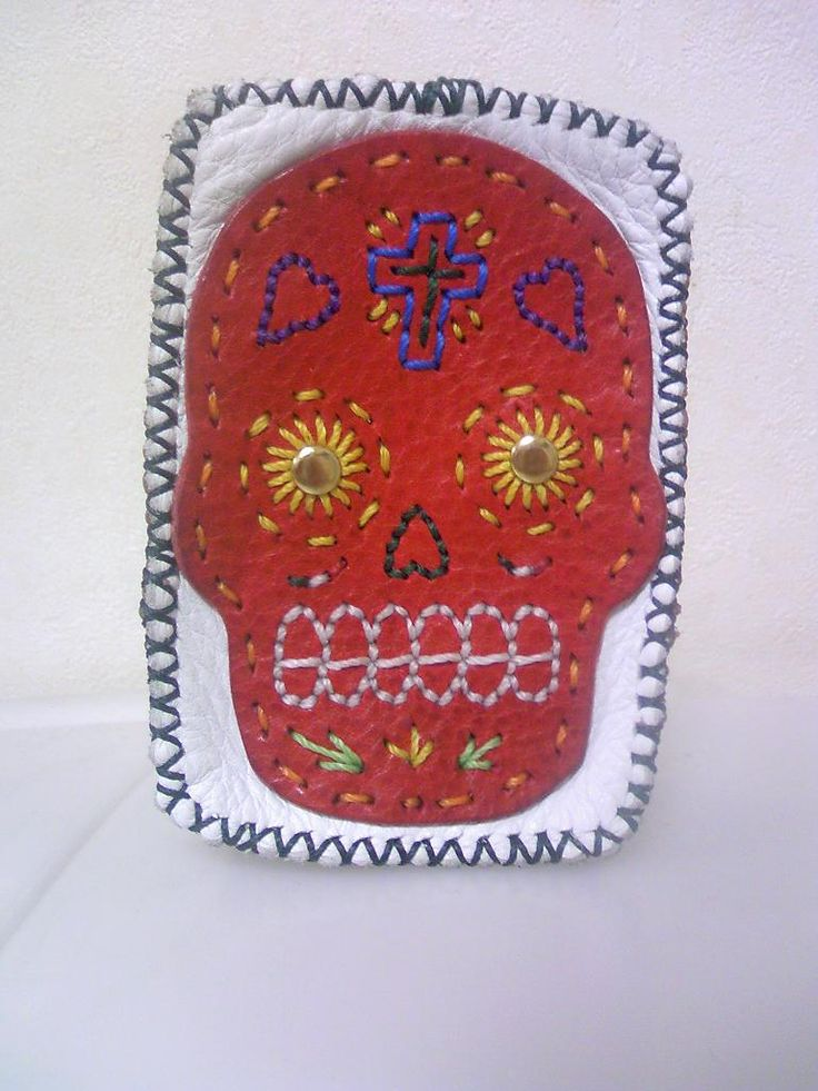 久々のレザークラフト新作製作の為にメキシカンスカルの顔を数パターン作ってみたッス...