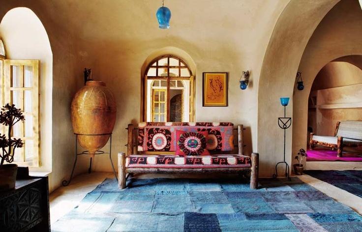 Ook in een oosters interieur komt een patchwork tapijt mooi tot zijn recht.