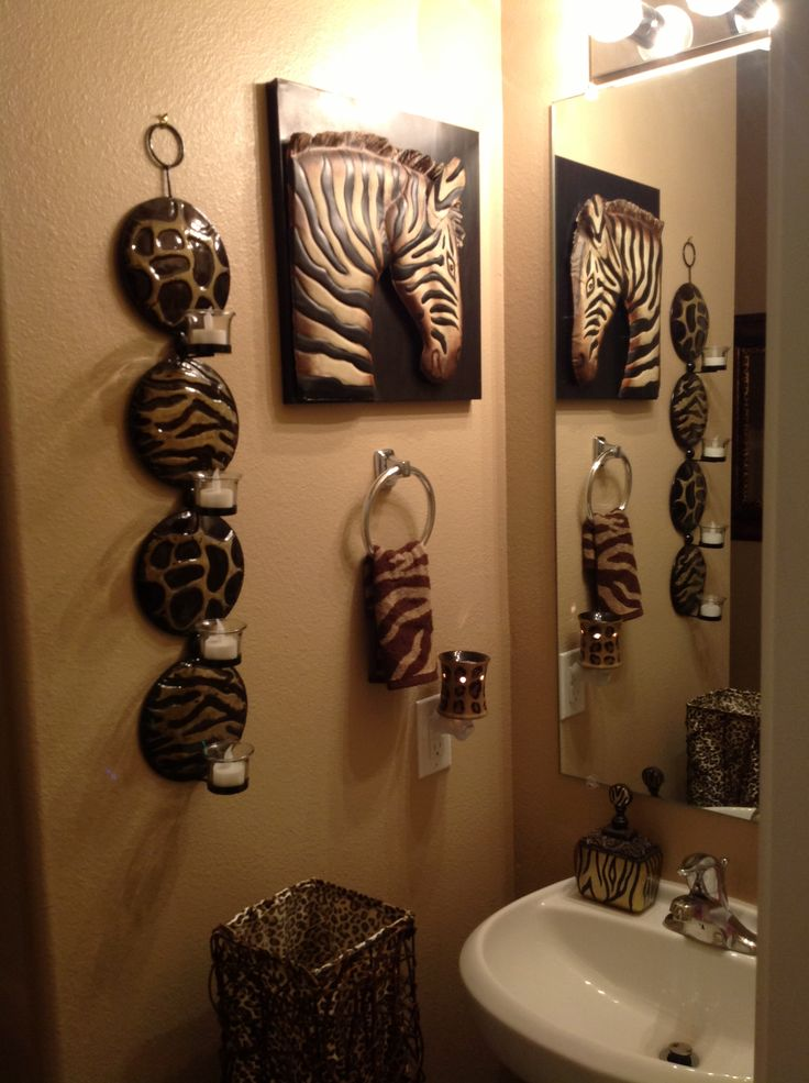 Best 25 safari bathroom ideas on pinterest cheetah for Animals decoration