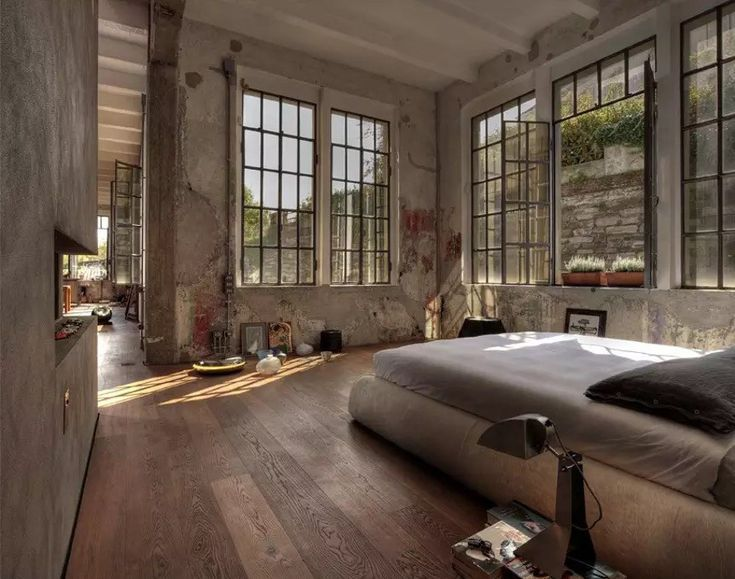 Industrial Artist Loft Close from Lake Como – #Art…