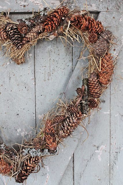 This would be a wonderful rustic wedding decoration, made with stuff from the yard.