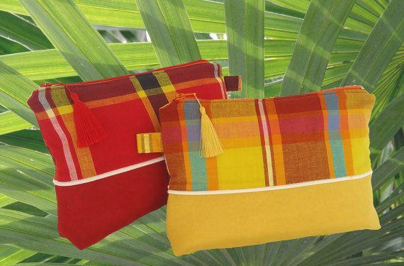 Trousse suédine jaune ou rouge et coton madras assorti.